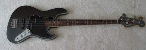 Guitare bass fender aerodyne noir