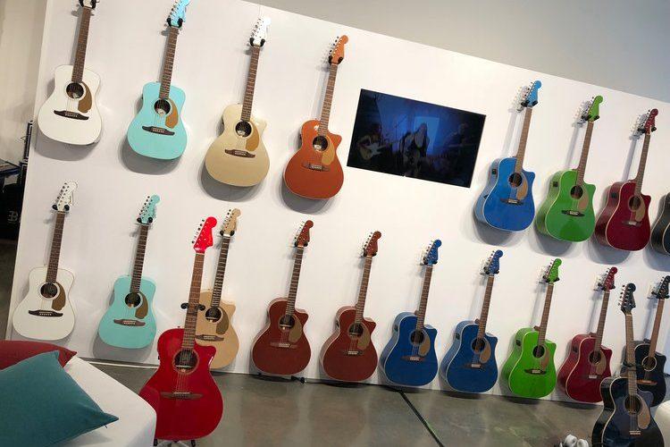 Fender a dévoilé une gamme de guitares acoustiques que les joueurs électriques vont adorer.