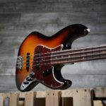 Squier Vintage Modified Jazz Bass - La meilleure basse pour débutants ?